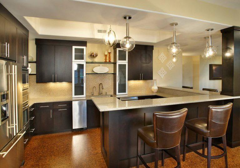 кухня стиль хайтек для маленькой площади кухни