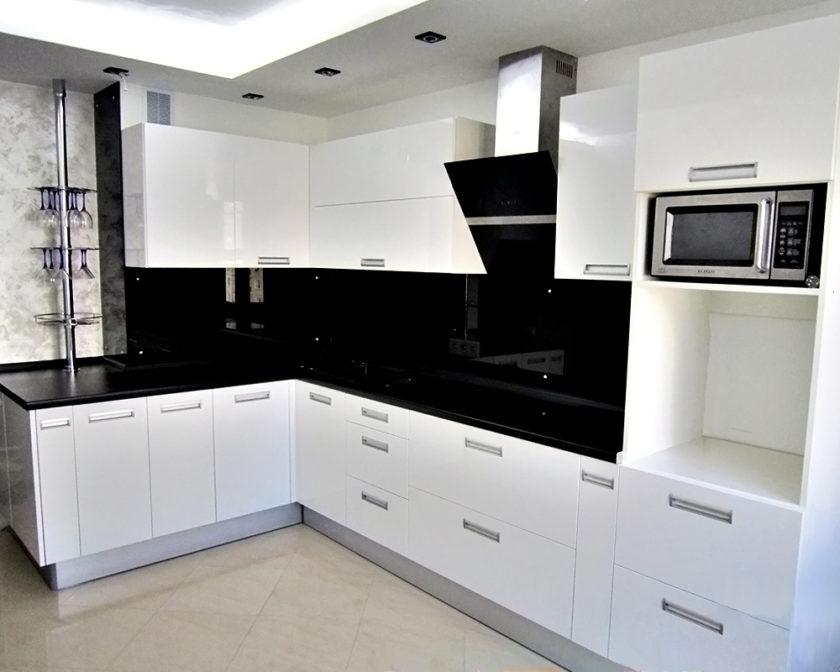 гарнитур кухни в стиле минимализм
