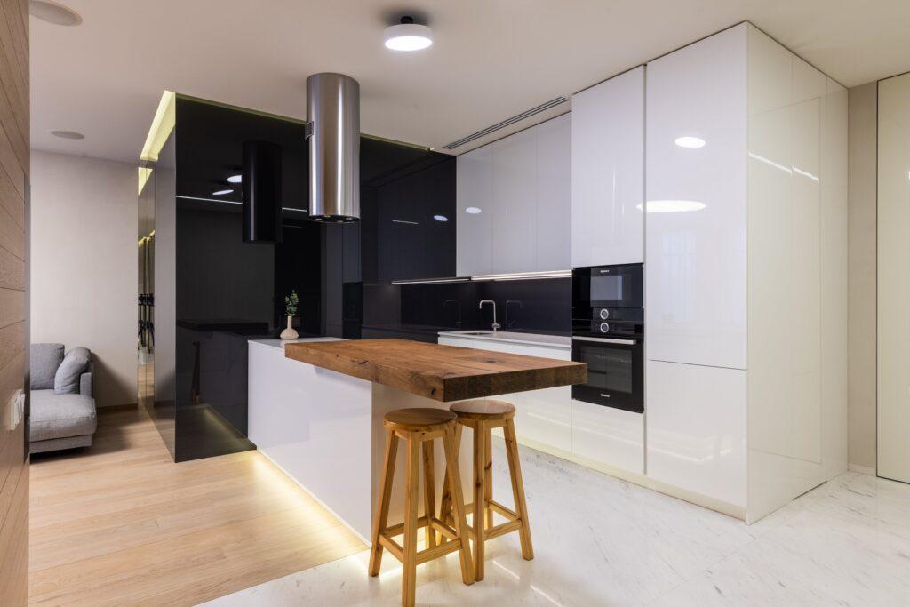 вариант кухни с реального фото в тиле минимализм
